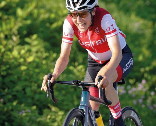 XeNTiS congratulates Anna Kiesenhofer on her Olympic victory in 2020